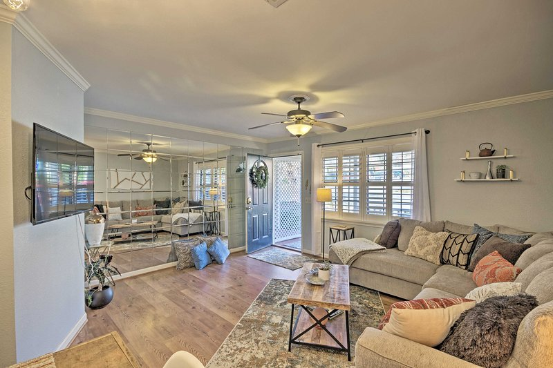 Greenville Townhome w/ Patio, 30 Mins. to Clemson!, holiday rental in Travelers Rest