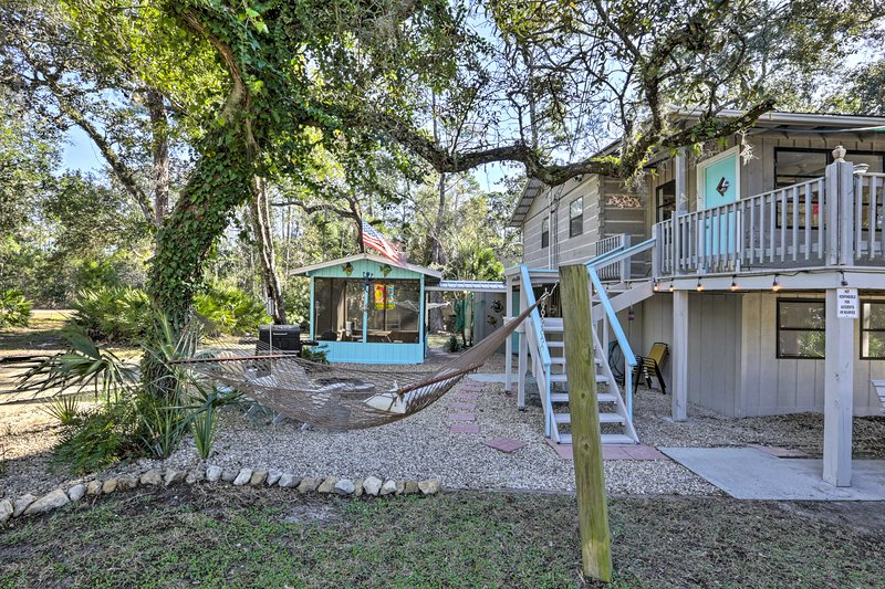 Steinhatchee Home w/Large Yard, Grill, Gazebo, holiday rental in Horseshoe Beach
