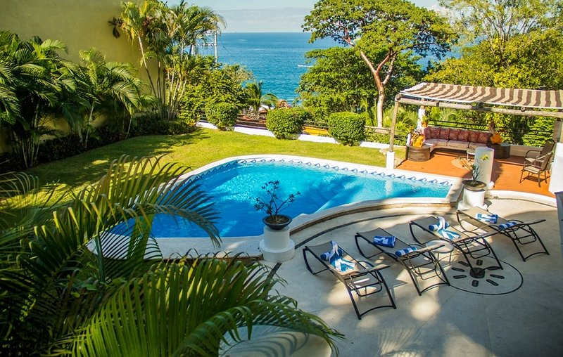 CASA GRAN DIA (DIRECT OWNER CONTACT) - UP TO 16 GUESTS ! GREAT DEALS!!, vacation rental in Puerto Vallarta