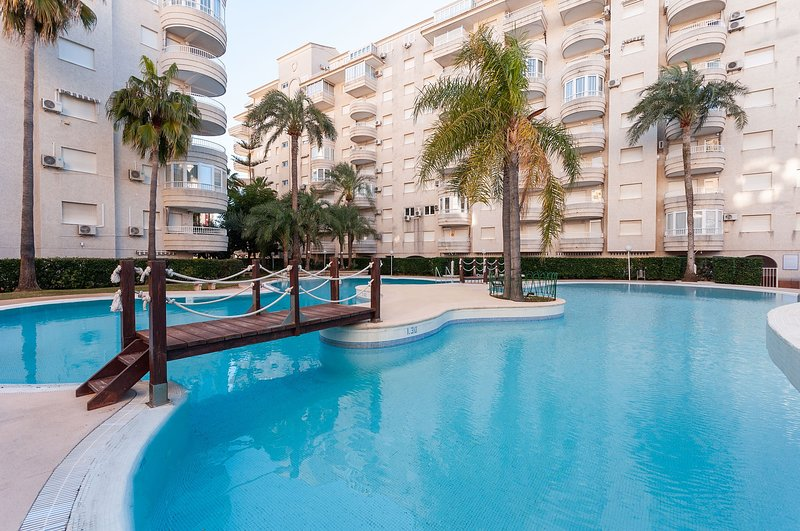 PARAÍSO - Apartment for 6 people in Playa Gandia, holiday rental in Grau i Platja