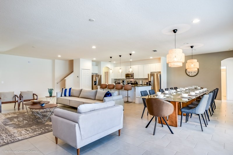 Near Disney World - Solterra Resort - Welcome To Contemporary 14 Beds 11 Baths, holiday rental in Loughman