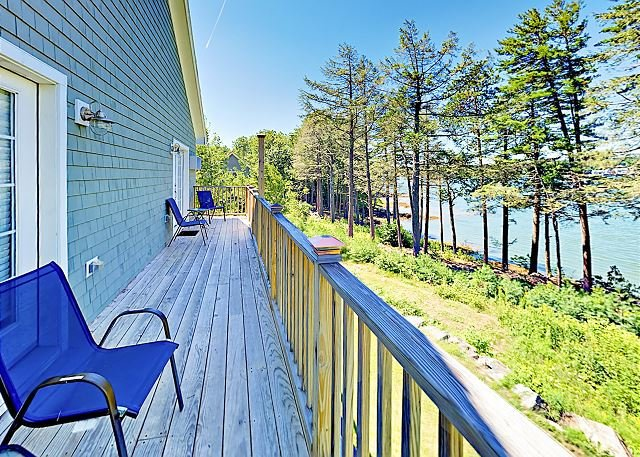 Beautiful New Condo w/ River Views at Sheepscot Harbour Resort, location de vacances à Damariscotta