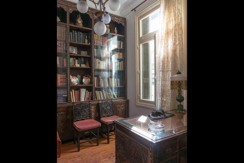 Uno studio vintage completamente attrezzato.