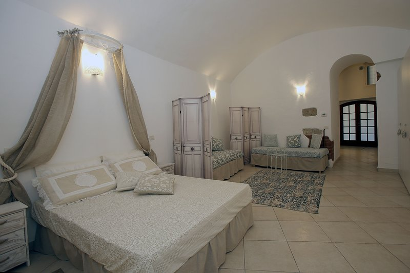 Main sleeping area with magnificent vault which is over 3 meters high