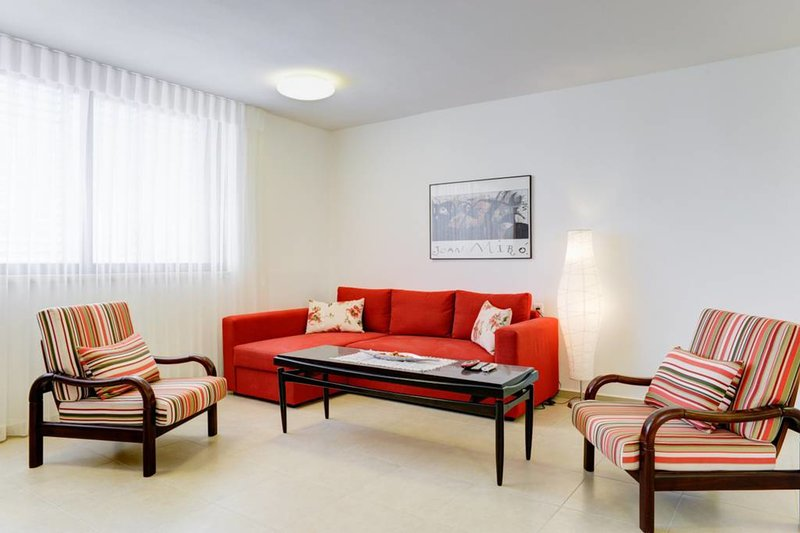 Bavli AREA -2bdm with Parking & Elevator - GREAT, Ferienwohnung in Petah Tiqwa