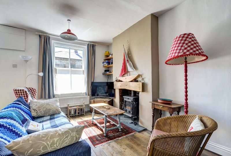 The Nook- Stroll away from the coast and shops :WAI218, holiday rental in Beaumaris