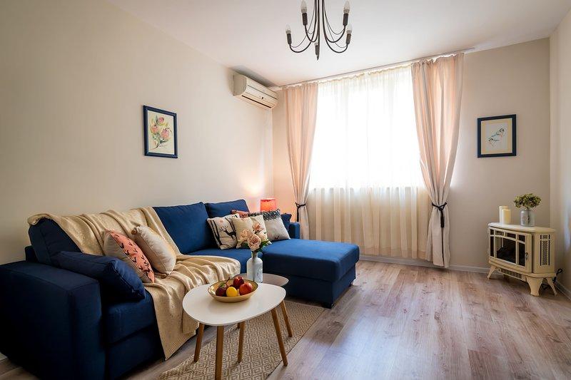 Urban Garden Apartment, vacation rental in Vladaya