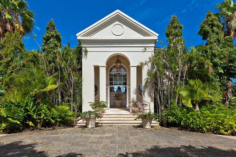 Sugar Hill, Eden - La gran entrada conduce a una amplia escalera de mármol