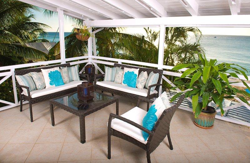 Chic Beachfront Apartment - Bora Upper, holiday rental in Saint James Parish