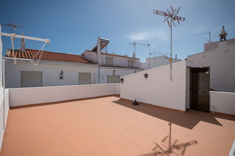 Terrasa, on the first floor, with shower, 50m2, Ideal for taking the cool on summer nights