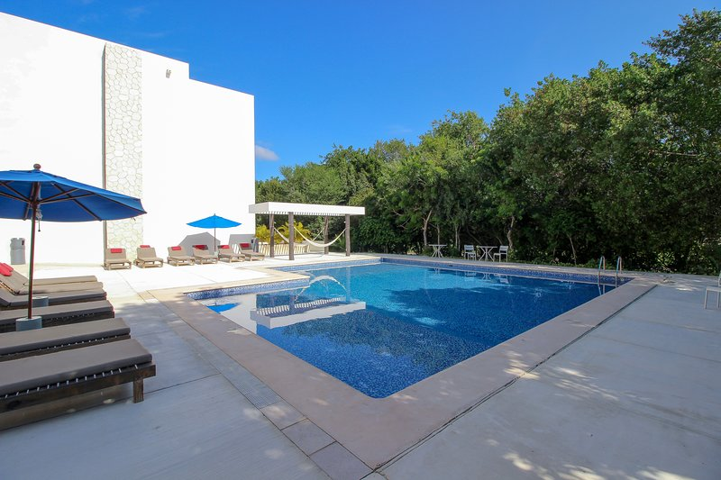 Stunning Studio with Jacuzzi on Terrace by olahola, vacation rental in Chacalal