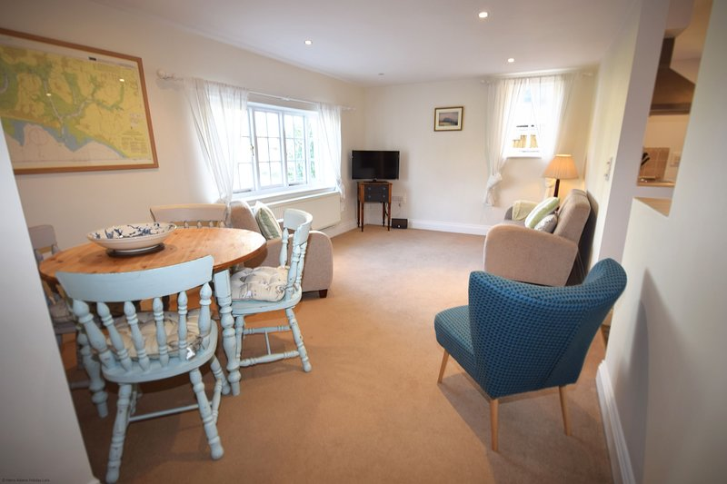 Flint Cottage , Emsworth, holiday rental in Woodmancote