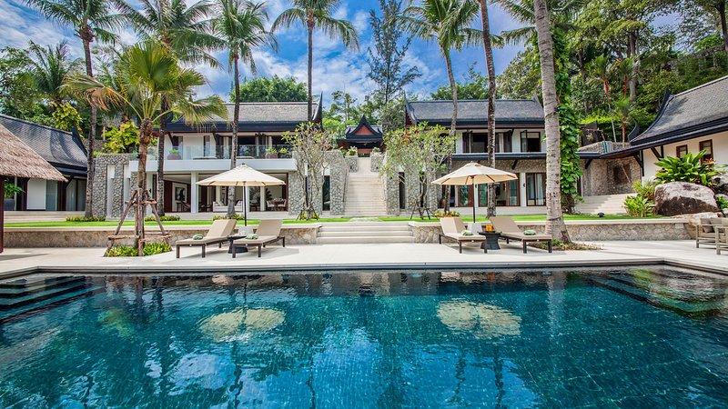 Villa Analaya - Beachfront Luxury Villa, alquiler de vacaciones en Kathu