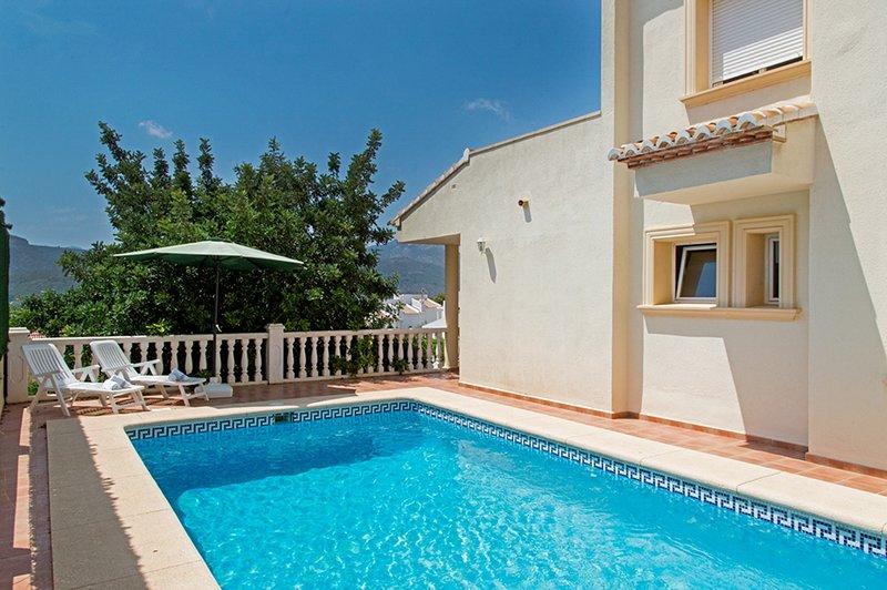 LURIE,villa en Jalón, para 6 pax con piscina privada y vistas al valle. wifi gra, location de vacances à Orba