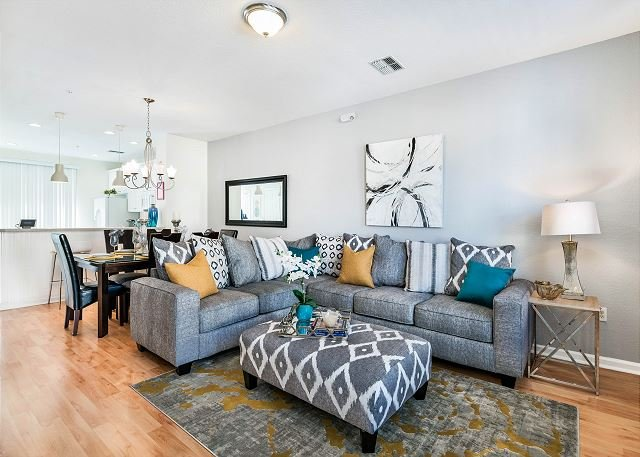 Beautiful newly updated townhome with 3 bedrooms and 3.5 baths, vacation rental in Orlando