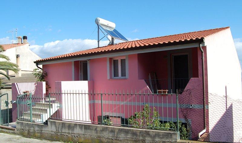 Appartamento ORANGE - Sant'Antioco Paese, vista mare - IUN: P5071, holiday rental in San Giovanni Suergiu