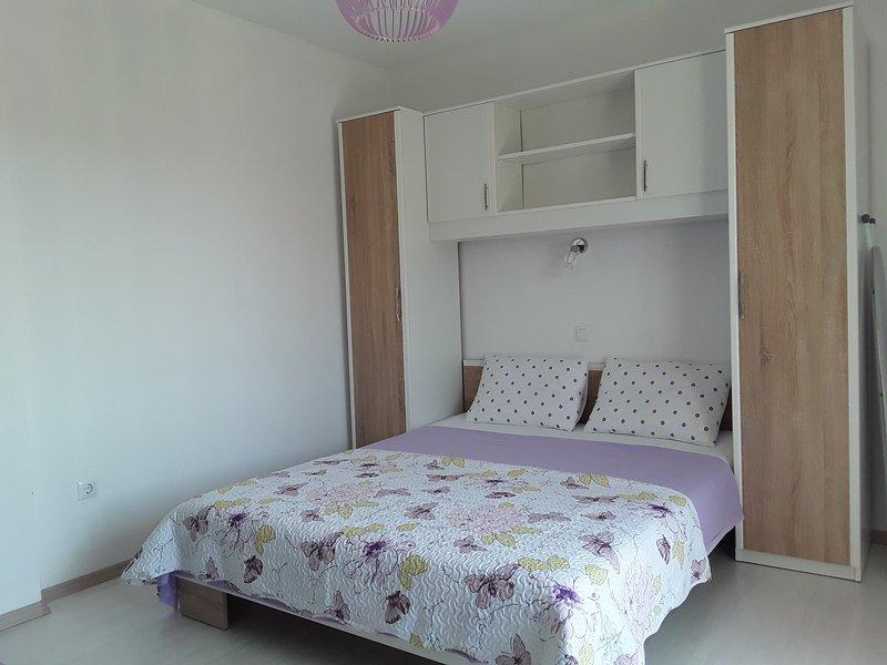 Studio apartman AP 4, vacation rental in Srima