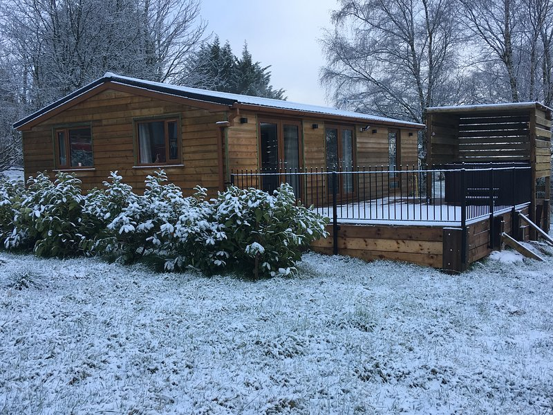 Isabella Lodge with private hot tub, holiday rental in Clayton-le-Dale