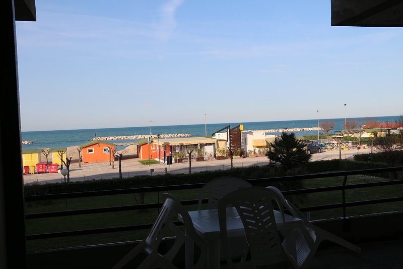 Amazing apartment with sea view, vacation rental in Fano