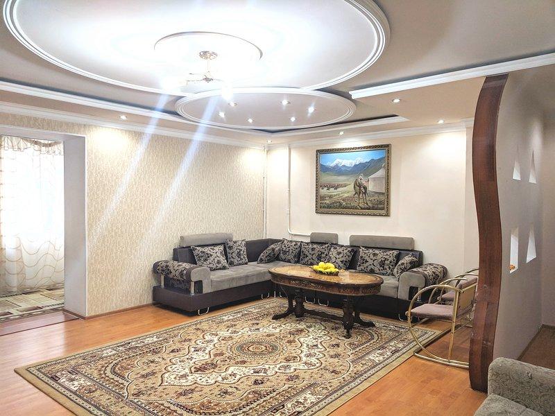Central Tashkent Apt. 2 Bedroom Apt, alquiler de vacaciones en Uzbekistán