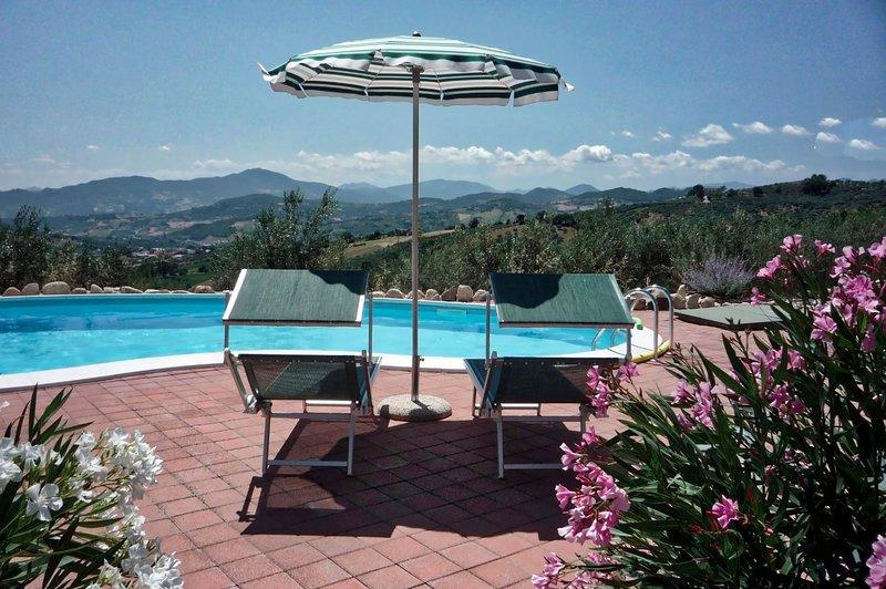 Villasfor2 - Pesco Falcone, holiday rental in Rapino