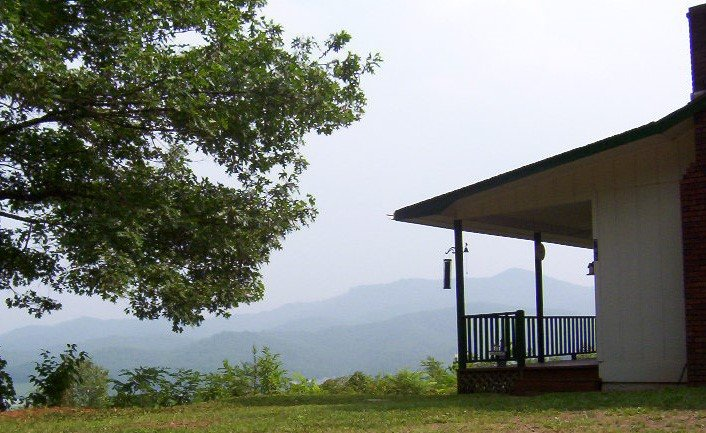 A Little Slice of Mountain Heaven - WIFI Included! – semesterbostad i North Carolina Mountains