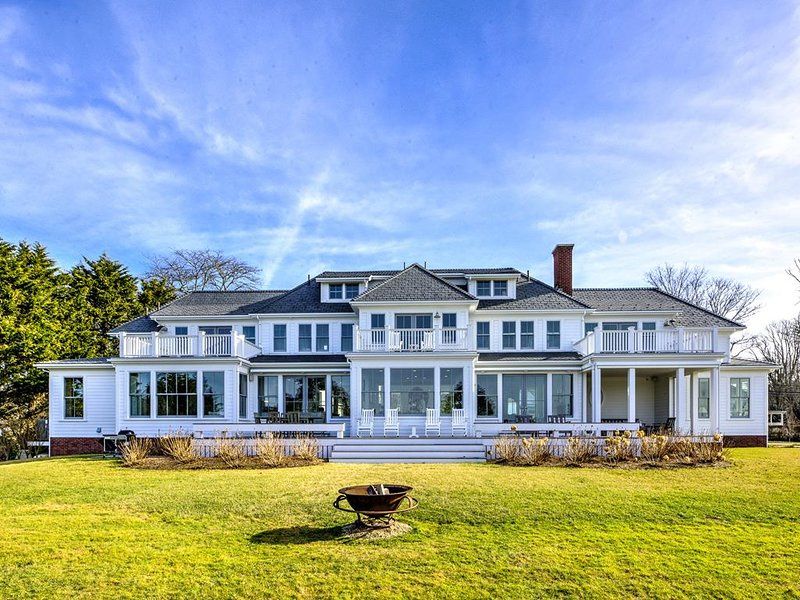 WEST FALMOUTH HARBOR 5700SQ FT Custom Home 140429, holiday rental in Cataumet