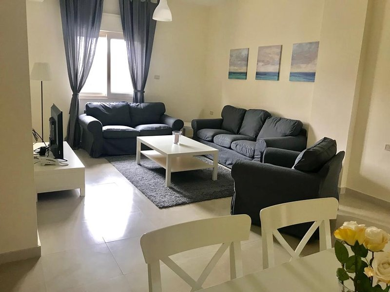MODERN COZY APARTMENT Arman Suites, holiday rental in Amman Governorate