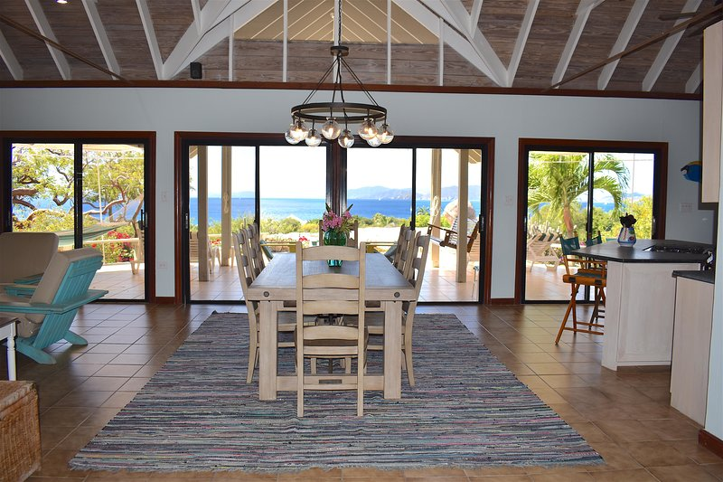 Southern Gables- Exclusive Area + Views + Close to Beaches and Newly Renovated!, holiday rental in Little Trunk Bay