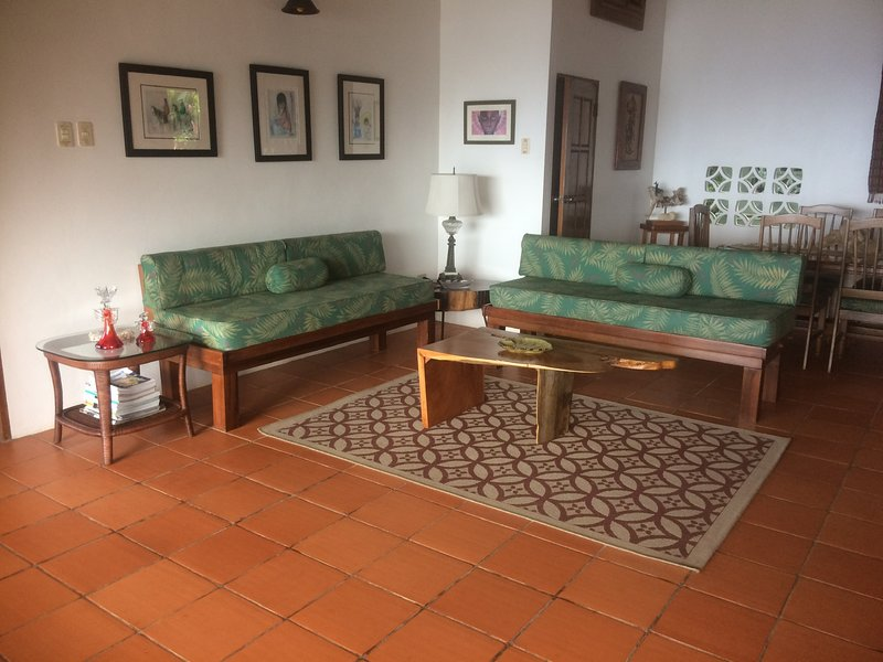 Spectacular caribbean view home, rainforest birdwatcher's paradise, holiday rental in Parlatuvier