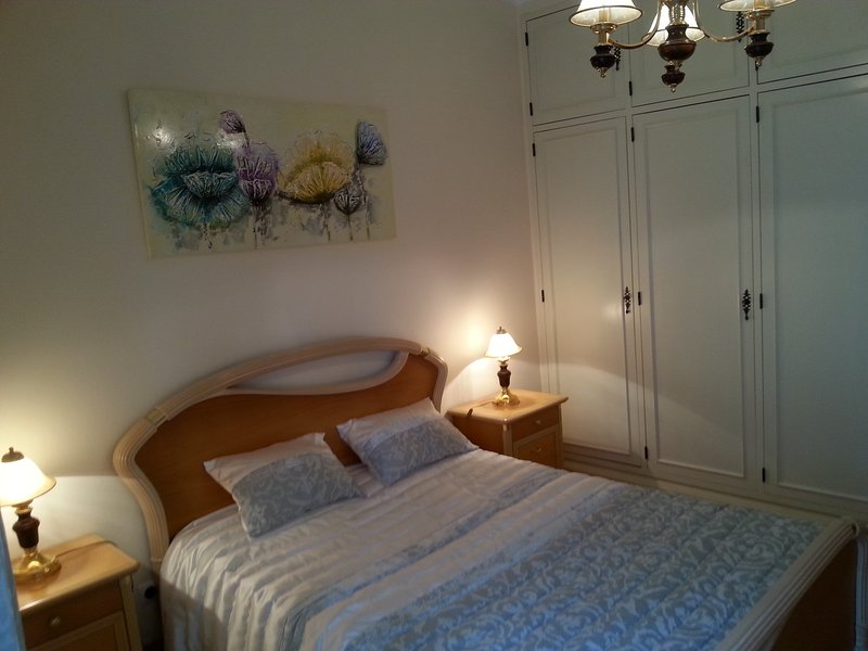 Holidays apartment in Mem Martins,4 Km from Sintra, holiday rental in Mem Martins