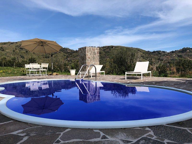 Villa Giulia con piscina, vacation rental in Isnello