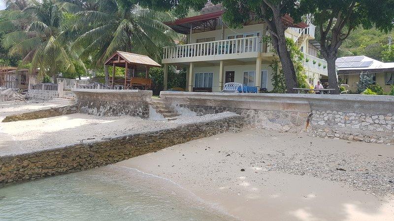 Beach Front Room 1 (near whaleshark watching), holiday rental in Samboan