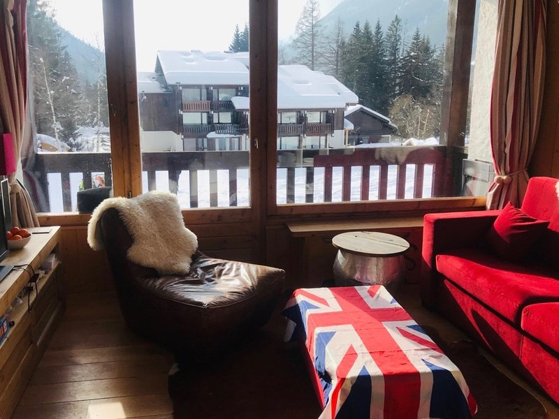 Ski in/out. Near lift - Sunny studio & balcony.  Ideal couple - family - kids., alquiler vacacional en Argentière