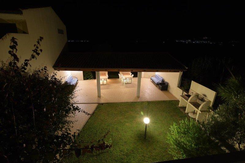 Valledoria trilocale in residence 5 min dalla spiaggia, location de vacances à Santa Maria Coghinas