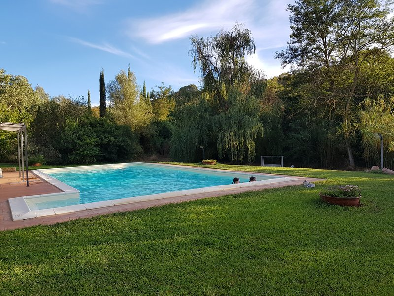 CHARM'S HOUSE IN MAREMMA WITH POOL, aluguéis de temporada em Grosseto