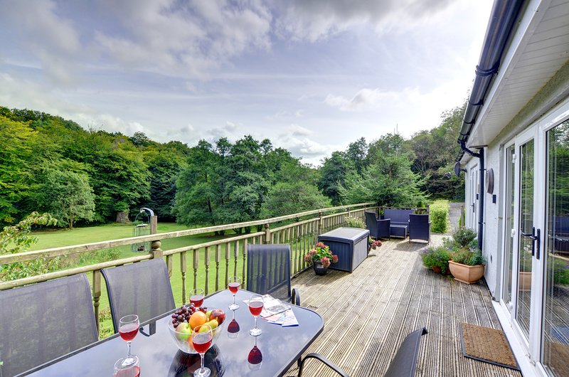 Suitable for adults with lovely gardens - The Annexe at The Mill at Glyn, WAW320, casa vacanza a Llangadog