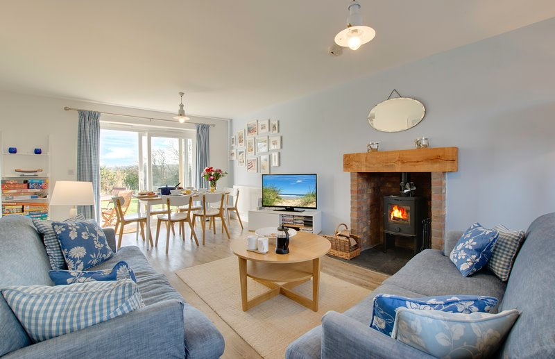 Bumblebee Cottage Filey: with fab sea views, vacation rental in Filey