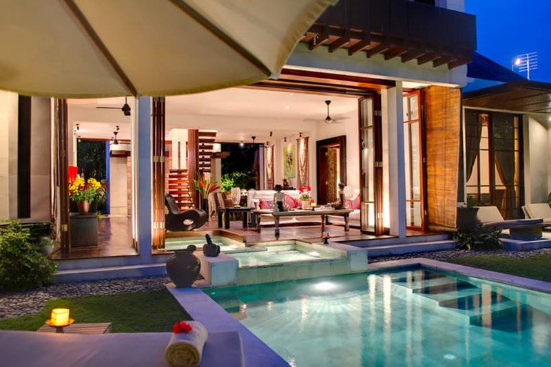 At Last You can Rent a 5 Star Villa with 24/7 Concierge and Private Chef, Bali, casa vacanza a Celuk
