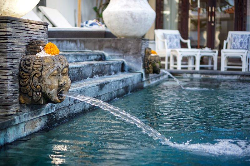 vulkanisch stenen zwembad