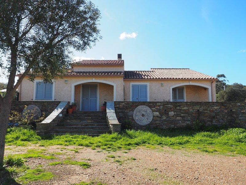 Maison gîte Santa Maria à la pointe du Cap Corse, holiday rental in Macinaggio