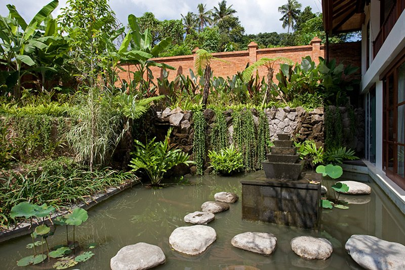 Picture Relaxing by your Private Pool in Your Beautiful Villa in Seseh, Bali, vacation rental in Tanah Lot