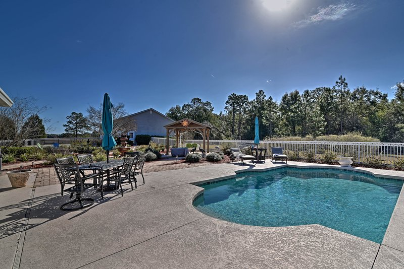 Peaceful Apt: 7 Mi to Withlacoochee State Forest!, location de vacances à Bushnell