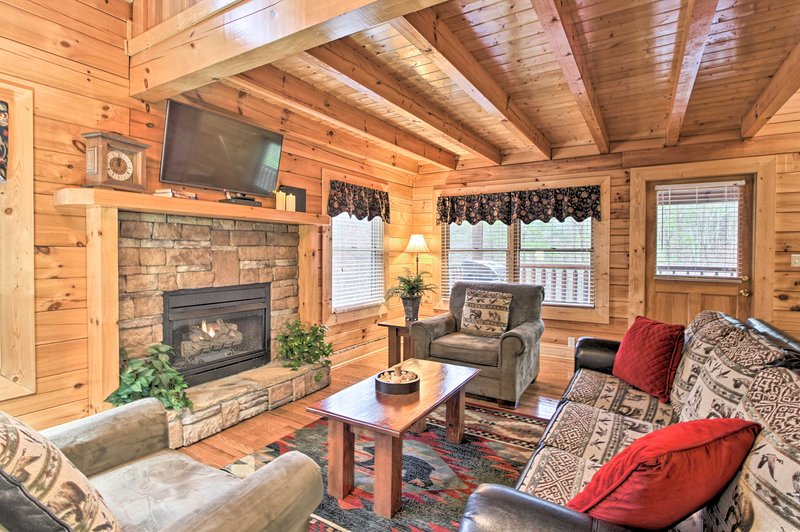 Enjoy a romantic getaway to Pigeon Forge at this vacation rental.