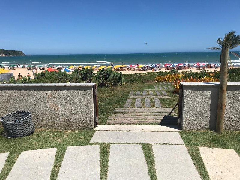 Casa em Buzios, Geribá, pé na areia, acesso privativo beachfront, alquiler vacacional en Búzios