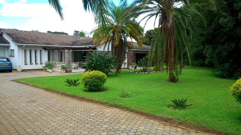 Lovely Private Room in a Lovely Great House, vacation rental in Zimbabwe