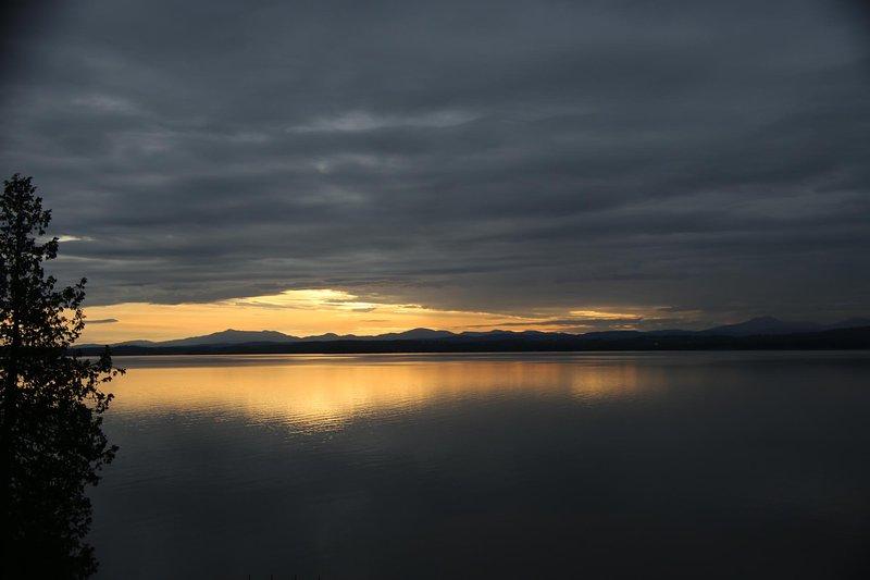 Vackra solnedgångar över Vermonts gröna berg