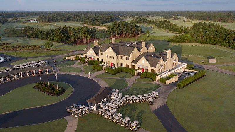 Executive Villa at Legends Golf & Resort, holiday rental in Conway