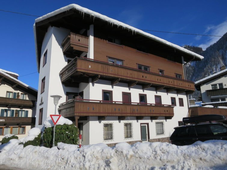 Mayrhofen Apartment Sleeps 8 with Free WiFi - 5719673 Chalet in Mayrhofen