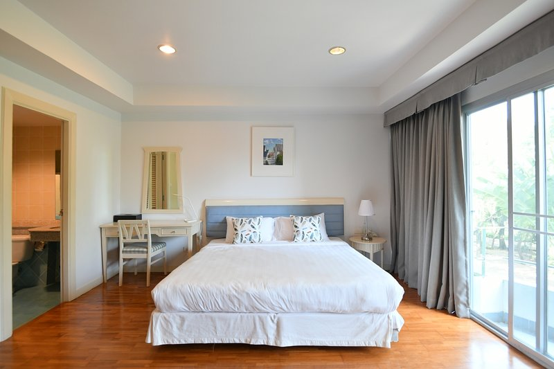 Charming studio with private beach, R16, casa vacanza a Chak Phong